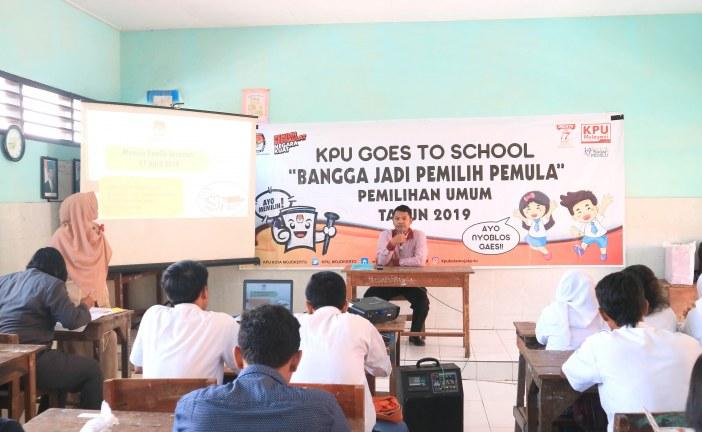 KGTS KPU Kota Mojokerto ke SMA PGRI 2
