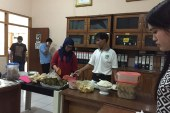 Wujudkan Kekompakan Komisioner dan Sekretariat, KPU Kota Mojokerto adakan Acara Makan Bersama