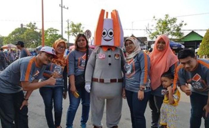 Si Mokli, Maskot KPU Kota Mojokerto Sapa Warga Di Car Free Day