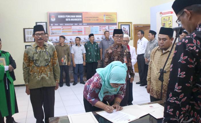 2 Pejabat Eselon IV Sekretariat KPU Kota Mojokerto Dilantik