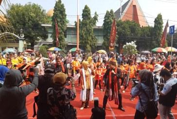 KPU Kota Mojokerto Hadiri Undangan Kirab Budaya Banjaran Mojobangkit dan Ngremo Kolosal