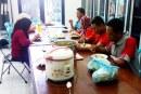 KPU Kota Mojokerto Adakan Makan Bareng