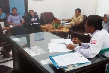 Rapat Pleno Rutin Hari Senin Jajaran Komisioner dan Kasubag KPU Kota Mojokerto