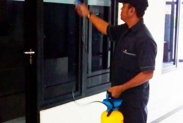 KPU Kota Mojokerto Lakukan Penyemprotan Covid-19