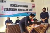 Penandatanganan Perjanjian Kinerja Tahun 2021 KPU Kota Mojokerto