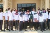 Akhiri Masa PKL Mahasiswa UINSA Dengan Penyerahan Cenderamata Dari KPU Kota Mojokerto
