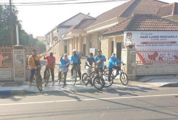 Jumat Sehat, KPU Kota Mojokerto Gowes bareng