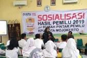 "KPU Kota Mojokerto Sosialisasikan Hasil Pemilu 2019 dan RPP ""Naditira Wilwatikta"" Di SMAN 1 Kota"
