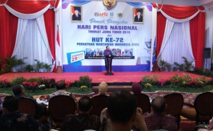Ketua KPU RI Arief Budiman Terima Penghargaan PWI Jatim