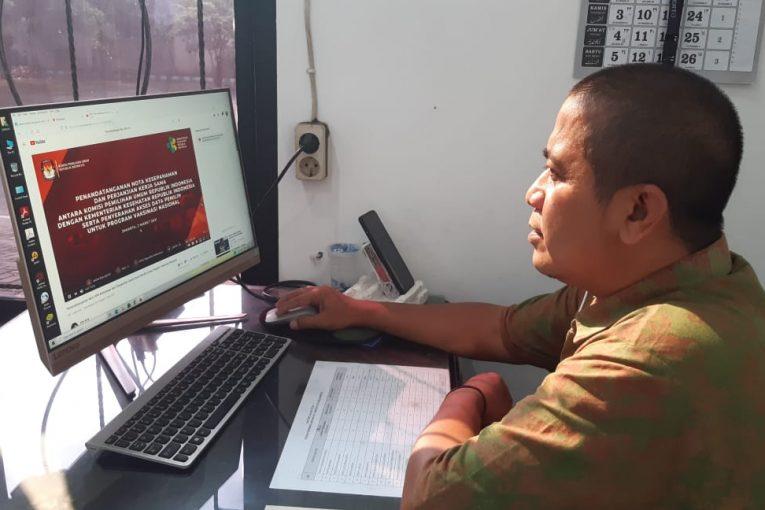 KPU Kota Mojokerto Saksikan Penandatanganan MOU KPU dengan BSSN dan PT. Garuda Indonesia