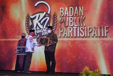 KPU JATIM TERIMA PENGHARGAAN BADAN PUBLIK PARTISIPATIF